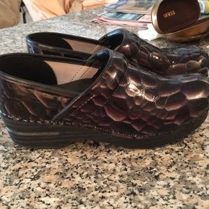 Used Dansko Clogs Purple Tortious Shell Design